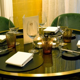 restaurant ronde tafel, restaurant round table