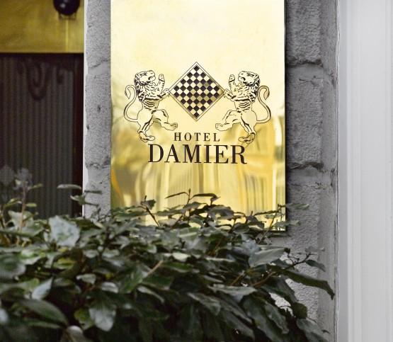 Logo Hotel Damier, Sign Hotel Damier